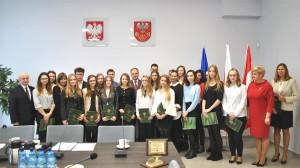 Wręczono stypendia Starosty Pułtuskiego za osiągniecie wybitnych wyników w nauce oraz za osiągnięcie wysokich wyników sportowych
