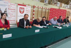 Podpisanie umowy na dofinansowanie modernizacji zaplecza sportowego